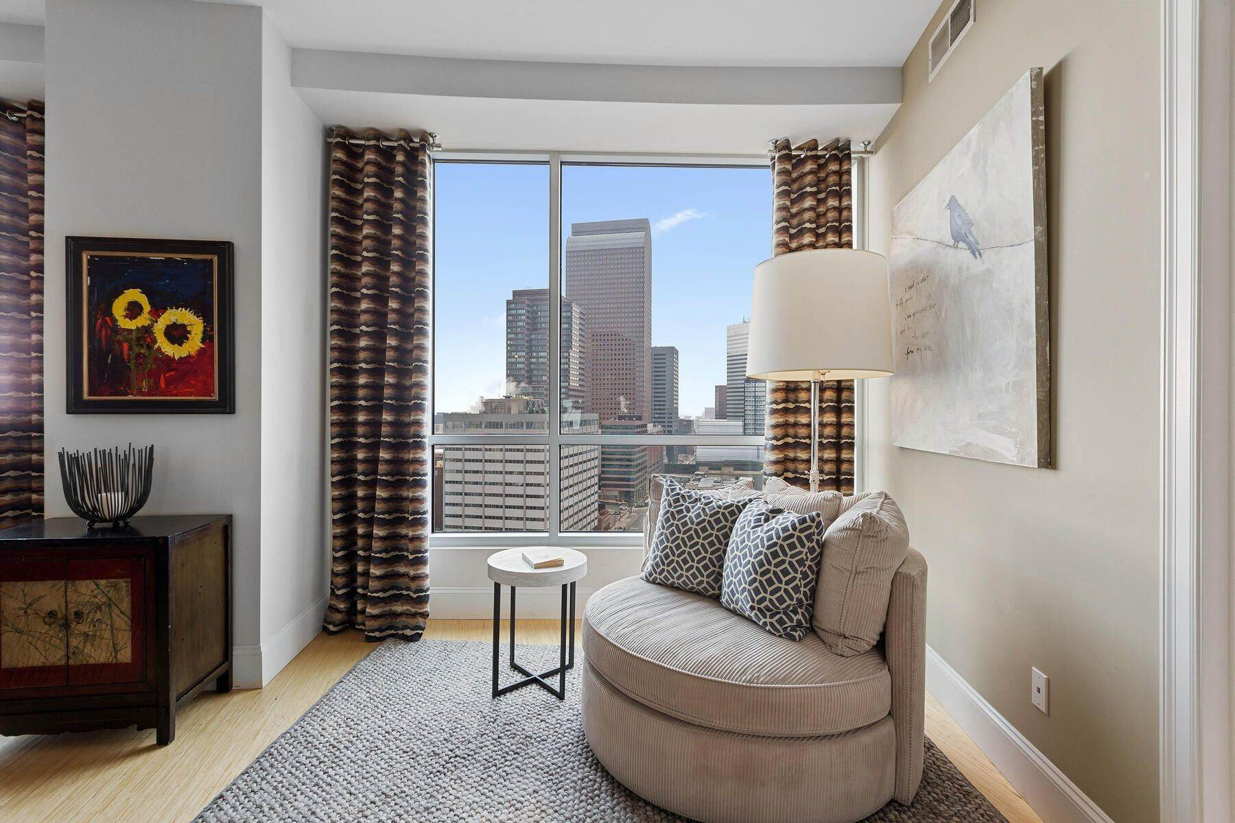 18. Condominiums for Active at Turn Key Condo! 2001 Lincoln Street, Unit# 1810 Denver, Colorado 80202 United States
