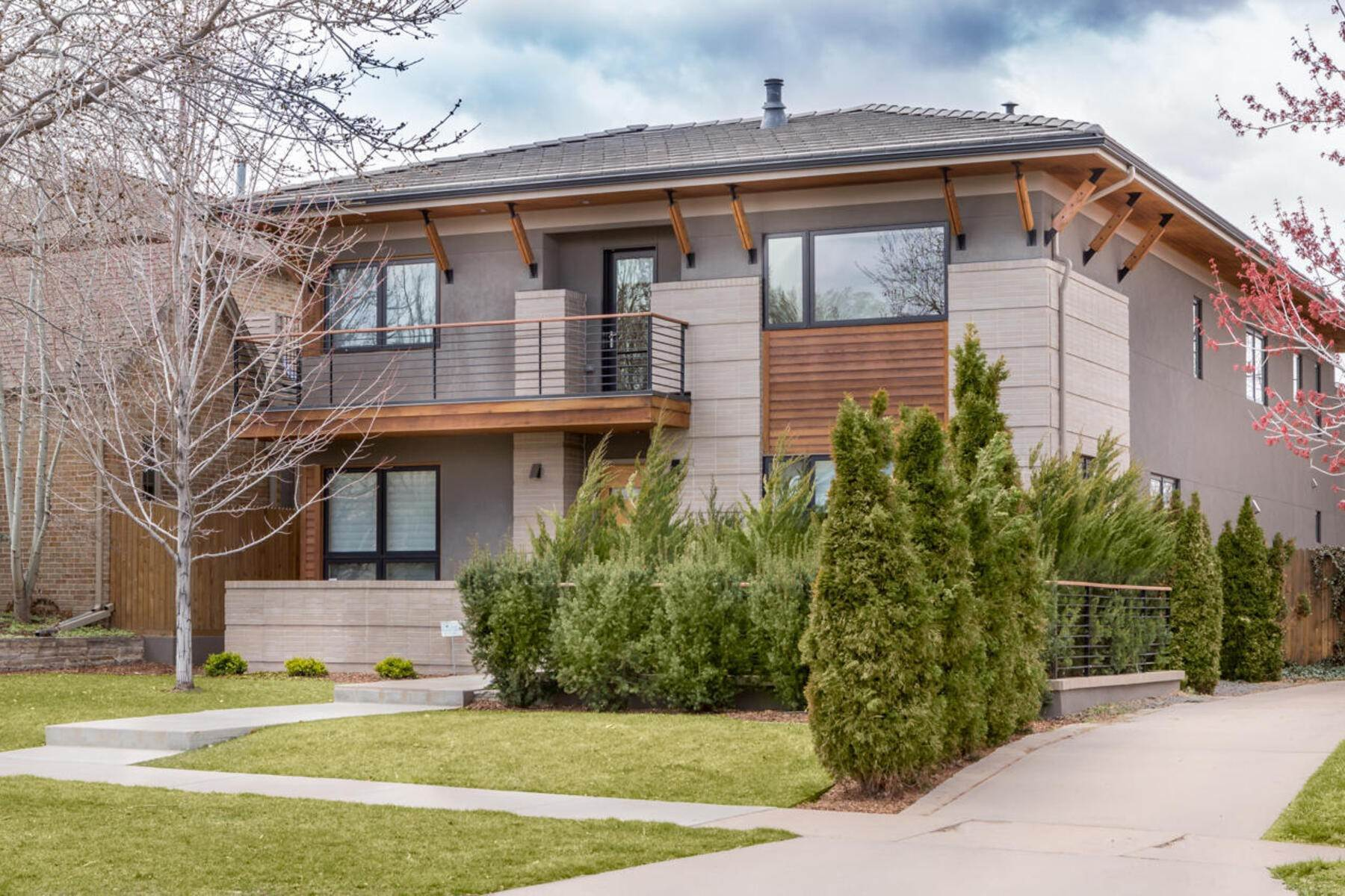 Single Family Homes for Active at 559 Madison Street, Denver, Co, 80206 559 Madison Street Denver, Colorado 80206 United States