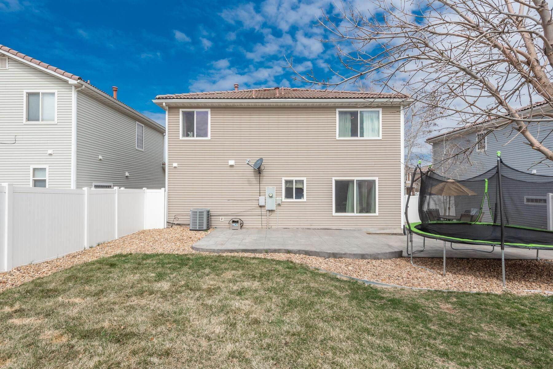 31. Single Family Homes for Active at Gorgeous & Extremely Well Maintained Green Valley Home! 4982 Fundy Street Denver, Colorado 80249 United States