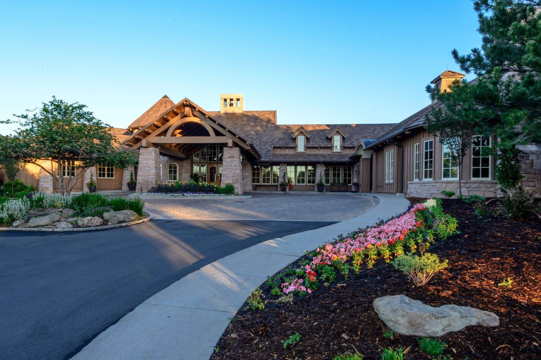 11. Single Family Homes for Active at 966 Country Club Parkway, Castle Rock, Co, 80108 966 Country Club Parkway Castle Rock, Colorado 80108 United States