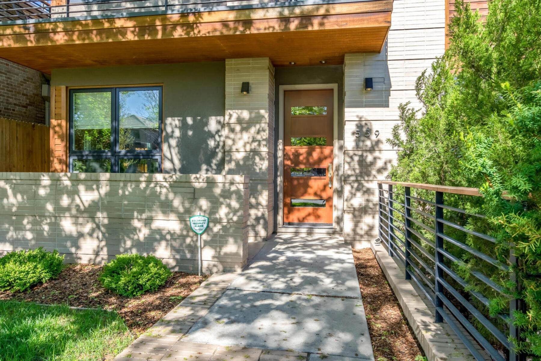 3. Single Family Homes for Active at 559 Madison Street, Denver, Co, 80206 559 Madison Street Denver, Colorado 80206 United States