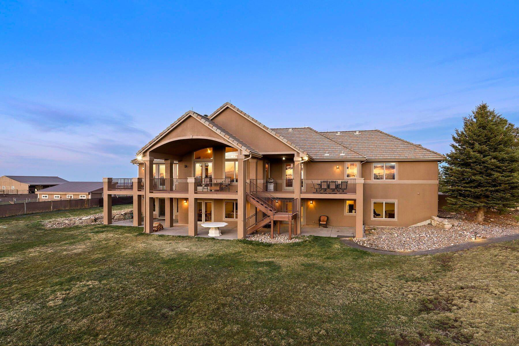 27. Single Family Homes for Active at 5219 Stone Canon Ranch Road, Castle Rock, Co, 80104 5219 Stone Canon Ranch Road Castle Rock, Colorado 80104 United States