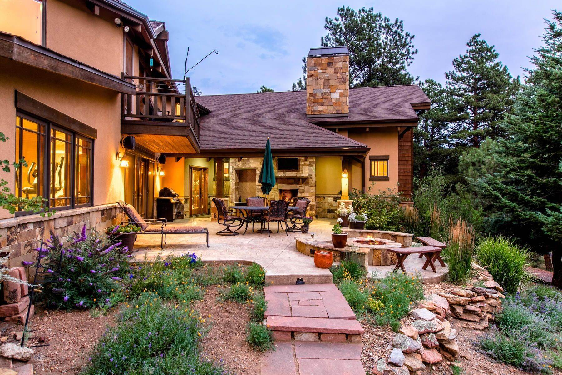 42. Single Family Homes for Active at Luxury Mountain Home with Endless Mountain Views & Ample Outdoor Living Spaces 34814 West Meadow Road Evergreen, Colorado 80439 United States