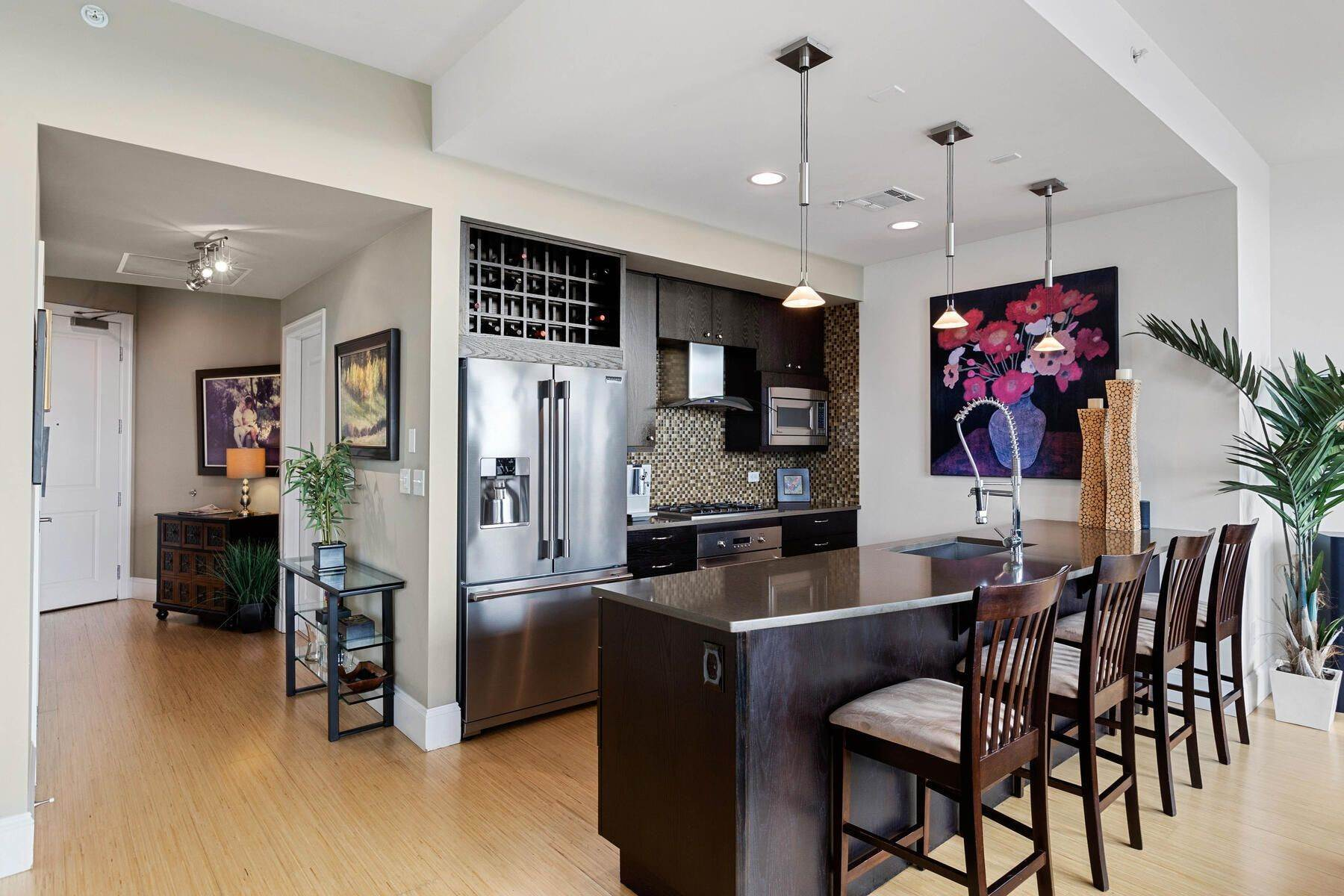 10. Condominiums for Active at Turn Key Condo! 2001 Lincoln Street, Unit# 1810 Denver, Colorado 80202 United States