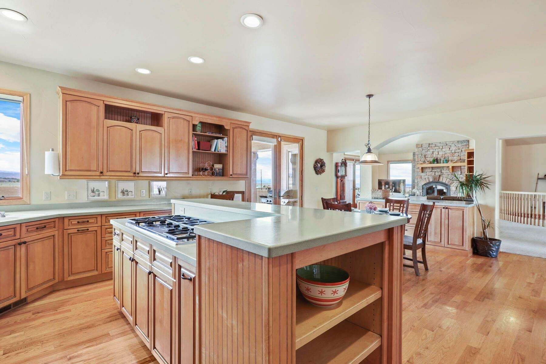 8. Single Family Homes for Active at 5219 Stone Canon Ranch Road, Castle Rock, Co, 80104 5219 Stone Canon Ranch Road Castle Rock, Colorado 80104 United States