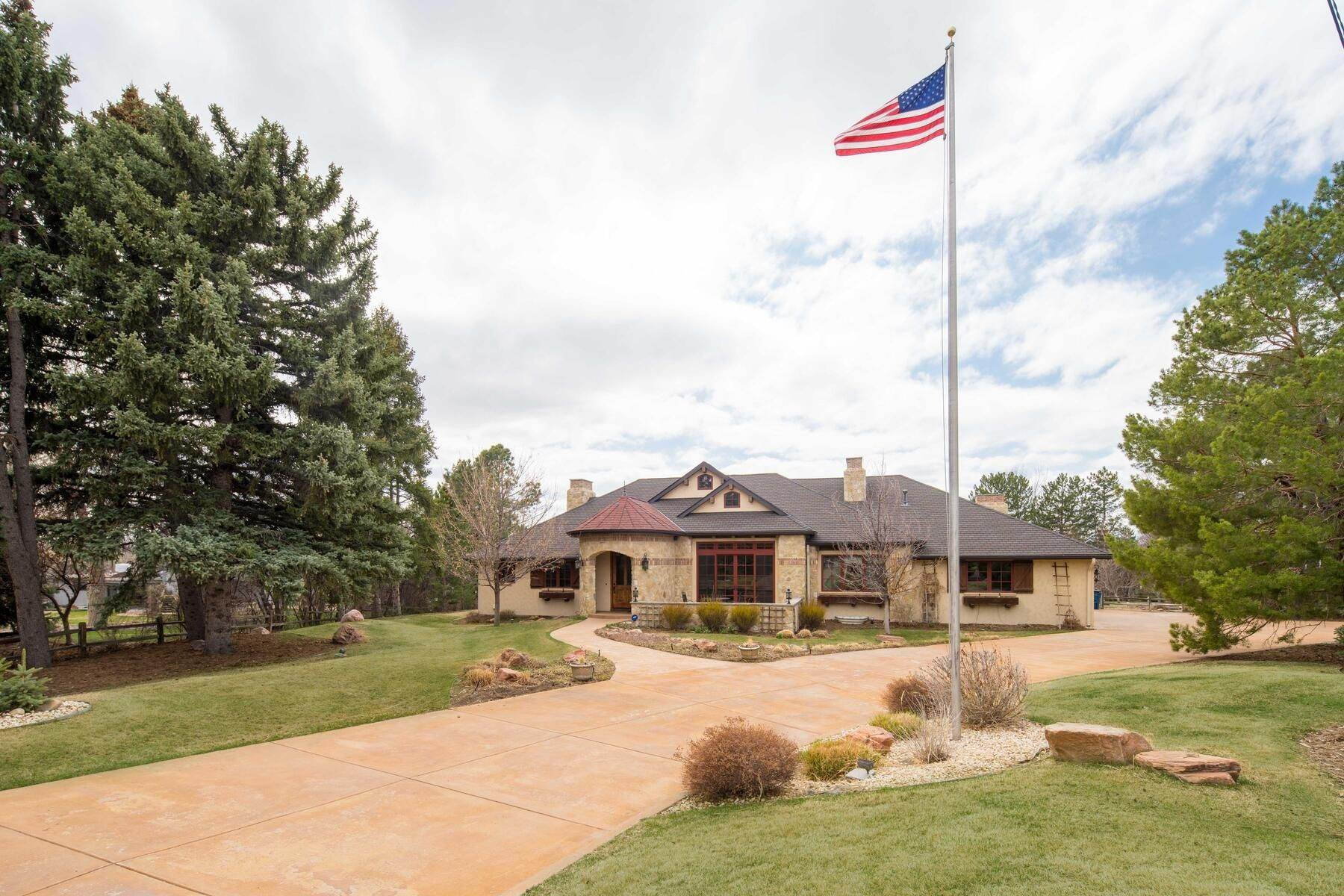 40. Single Family Homes for Active at 6156 E Powers Avenue, Greenwood Village, Co, 80111 6156 E Powers Avenue Greenwood Village, Colorado 80111 United States