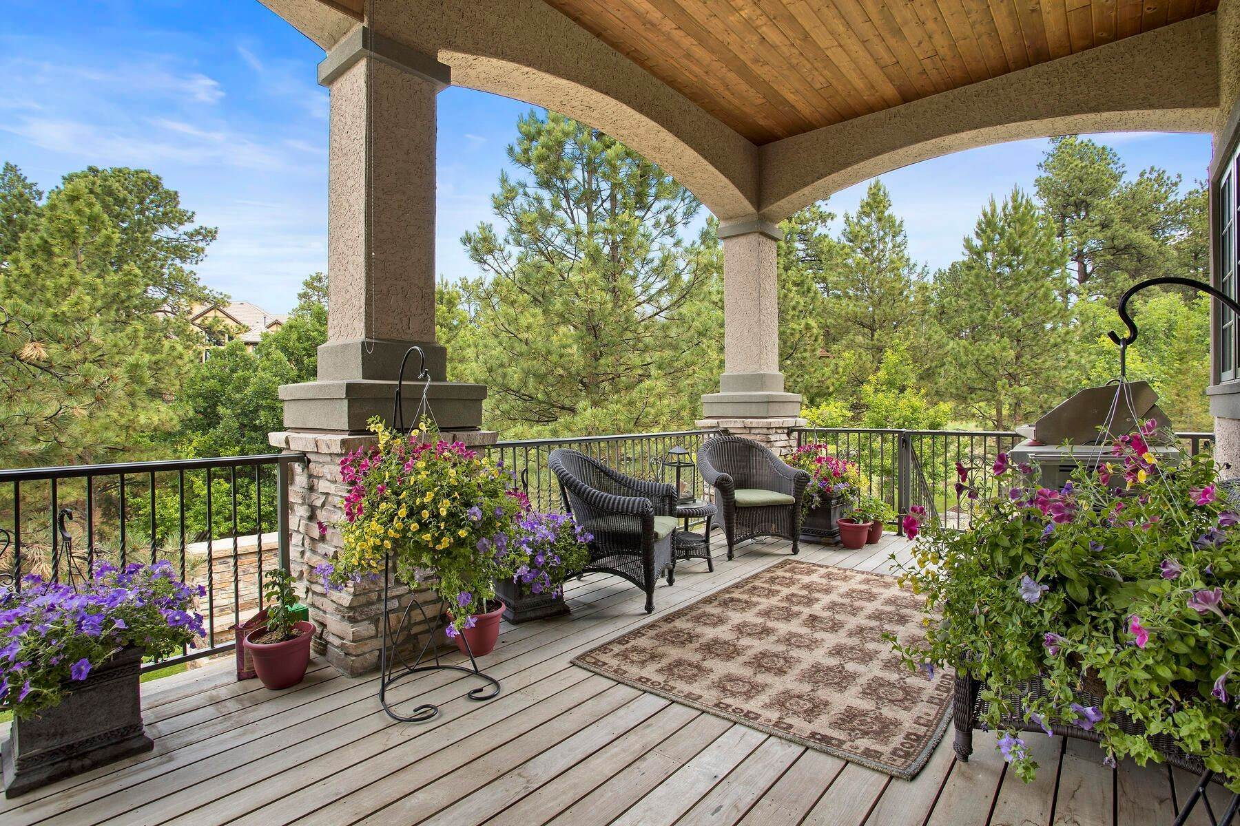 33. Single Family Homes for Active at 643 Ruby Trust Way, Castle Rock, Co, 80108 643 Ruby Trust Way Castle Rock, Colorado 80108 United States