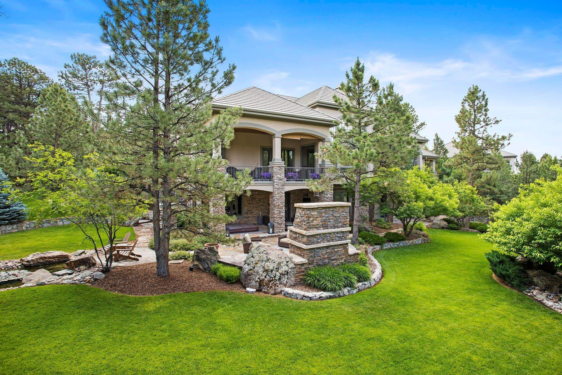 38. Single Family Homes for Active at 643 Ruby Trust Way, Castle Rock, Co, 80108 643 Ruby Trust Way Castle Rock, Colorado 80108 United States