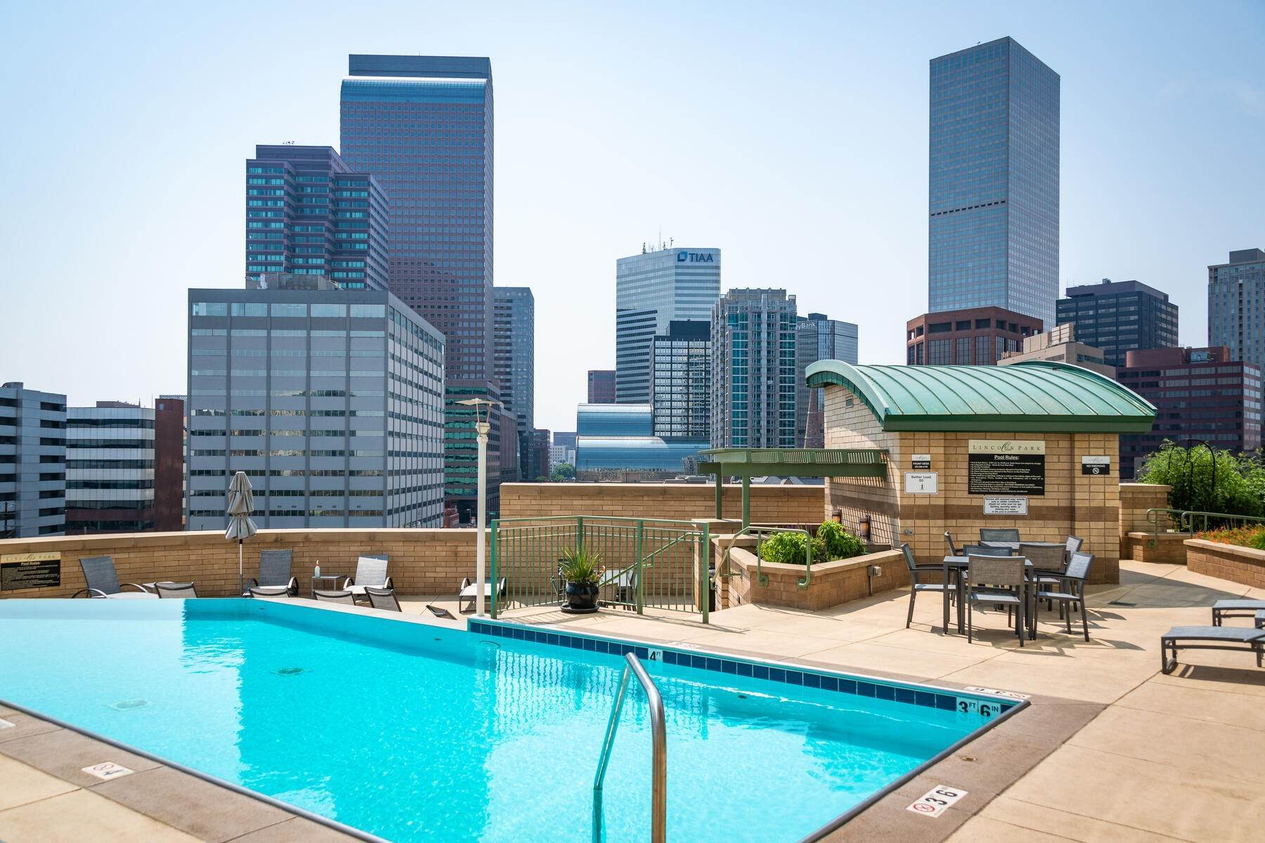 39. Condominiums for Active at Turn Key Condo! 2001 Lincoln Street, Unit# 1810 Denver, Colorado 80202 United States
