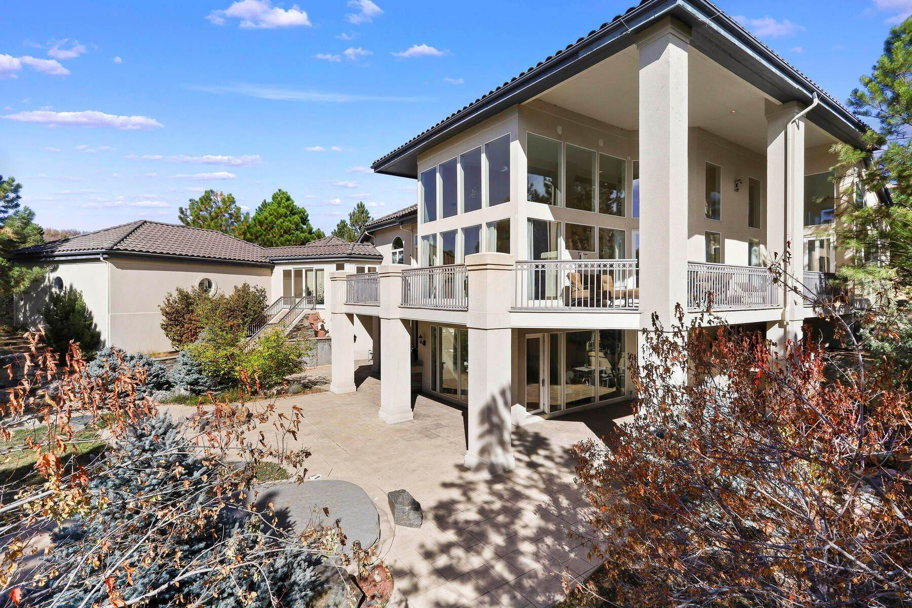 33. Single Family Homes for Active at 701 Golf Club Drive, Castle Rock, Co, 80108 701 Golf Club Drive Castle Rock, Colorado 80108 United States
