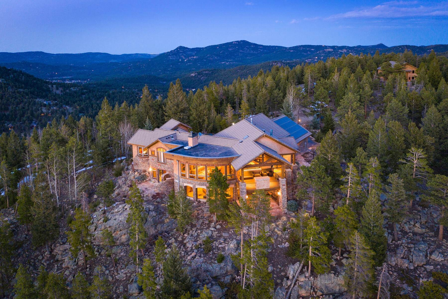 Single Family Homes for Active at Magnificent Mountain Contemporary Home! 32024 Snowshoe Road Evergreen, Colorado 80439 United States
