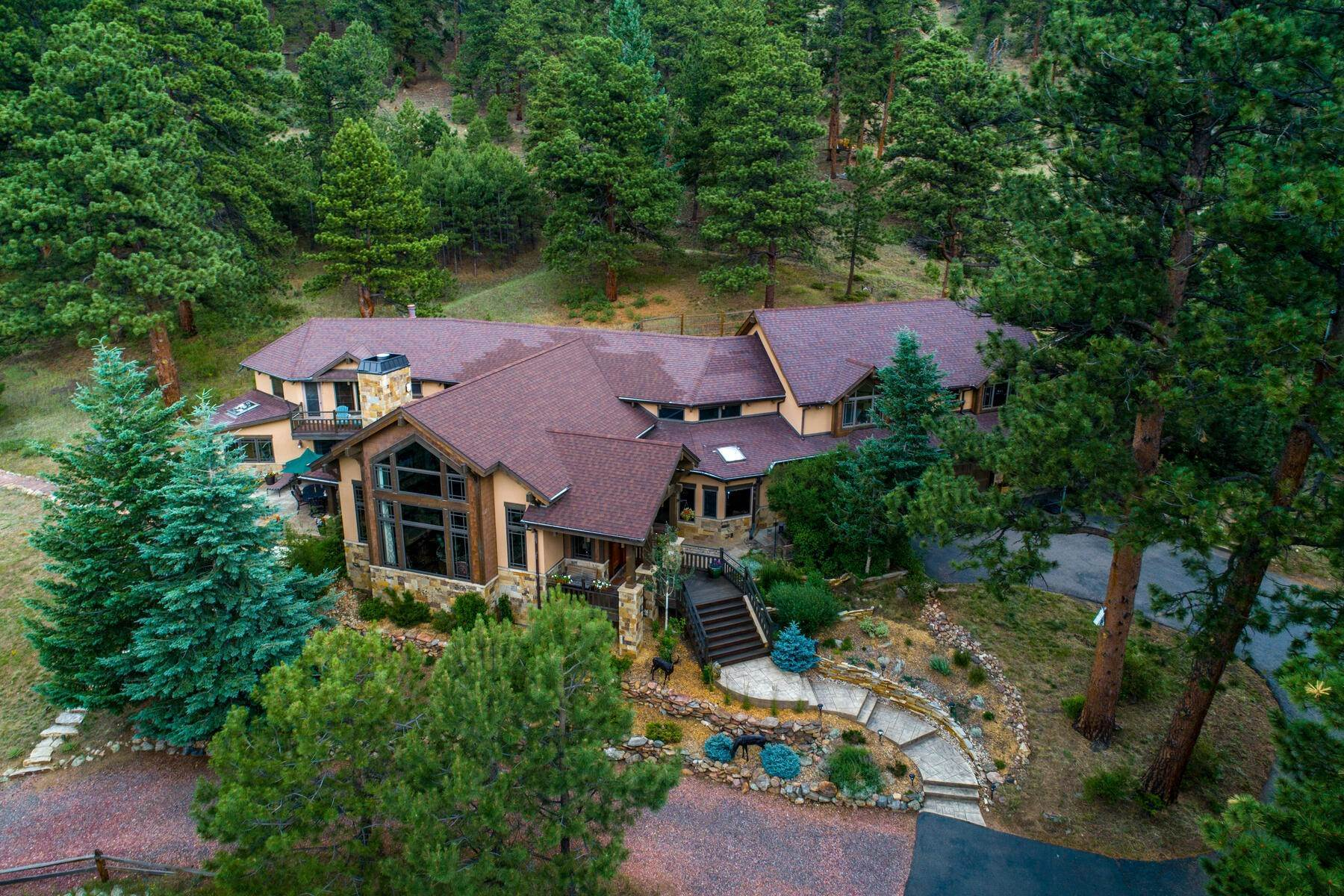 3. Single Family Homes for Active at Luxury Mountain Home with Endless Mountain Views & Ample Outdoor Living Spaces 34814 West Meadow Road Evergreen, Colorado 80439 United States